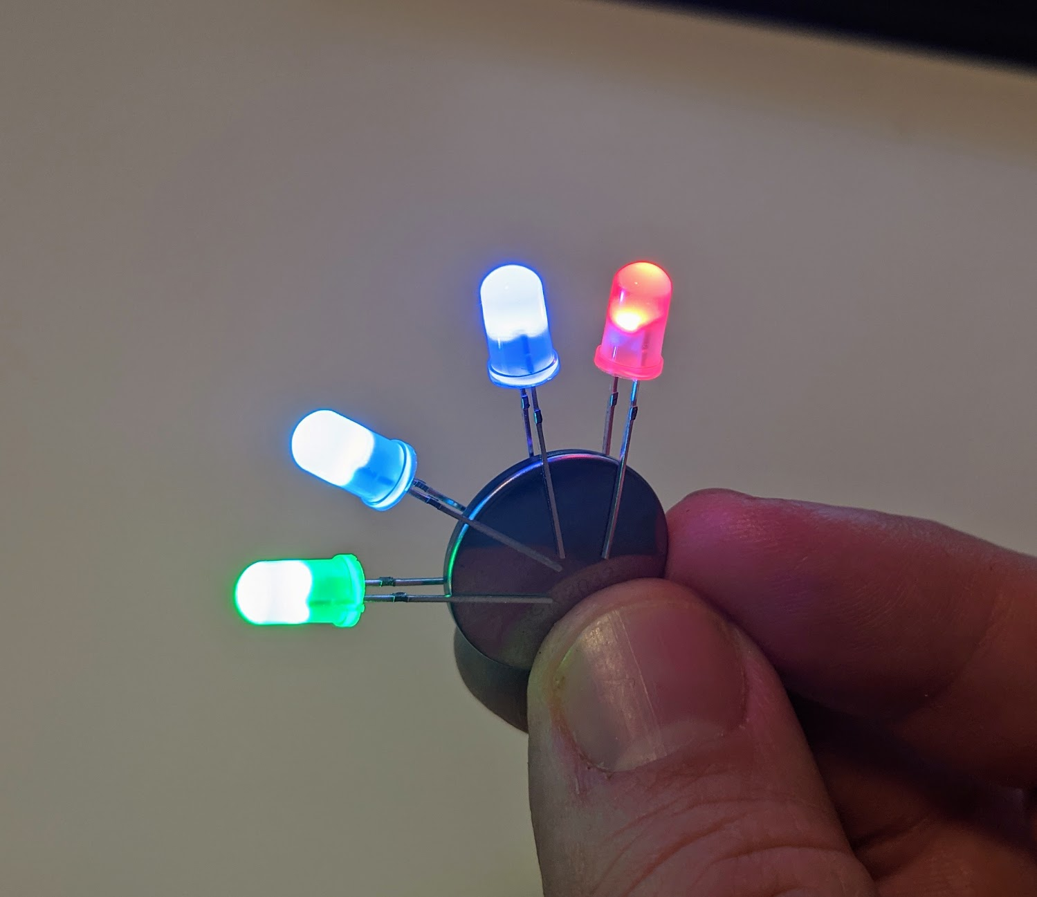 RGB LED - Color changing rainbow LED with slow color transition 5mm
