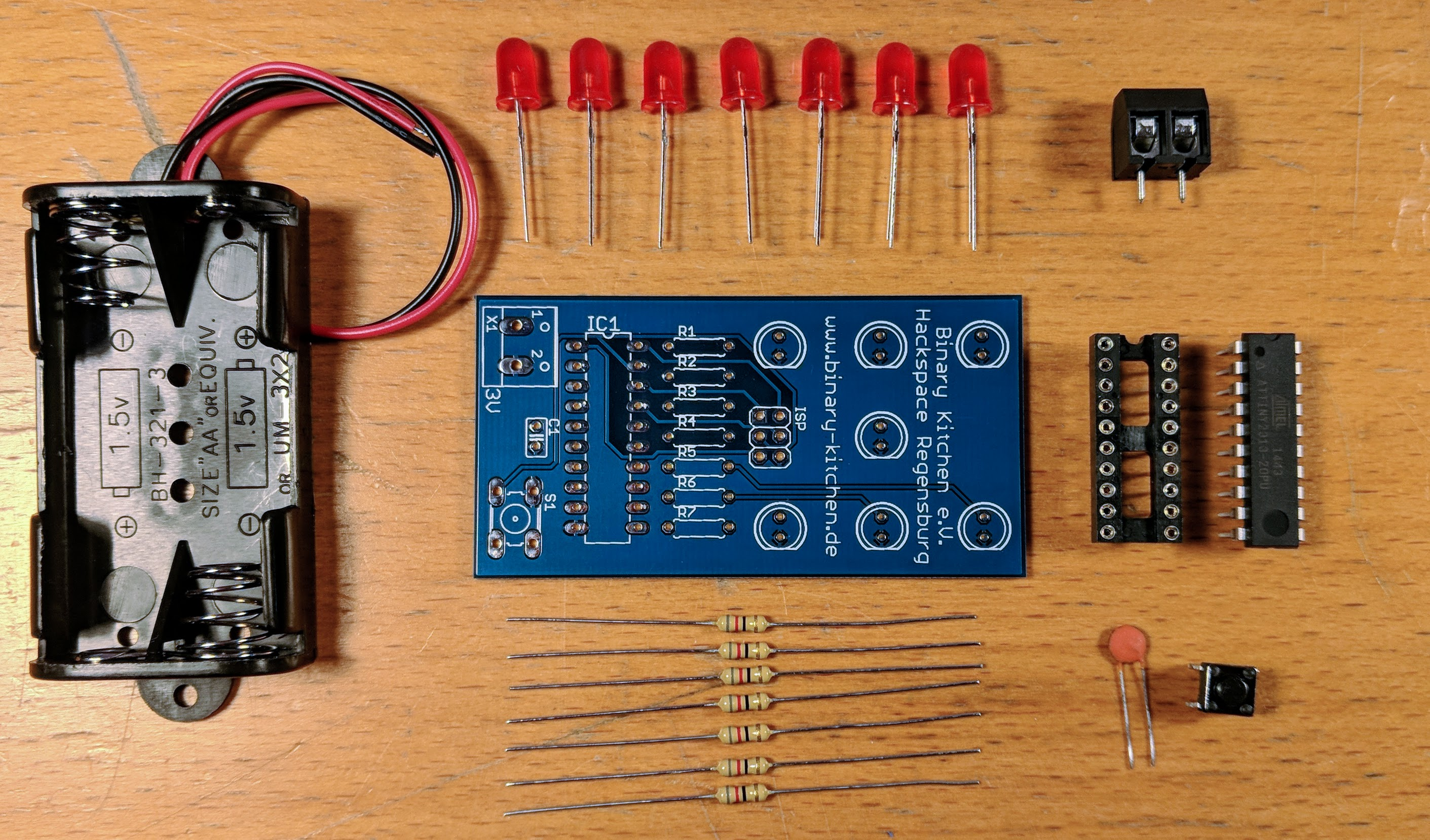 Würfel mit Microcontroller - Ein einfacher Würfelbausatz ideal für Anfänger
